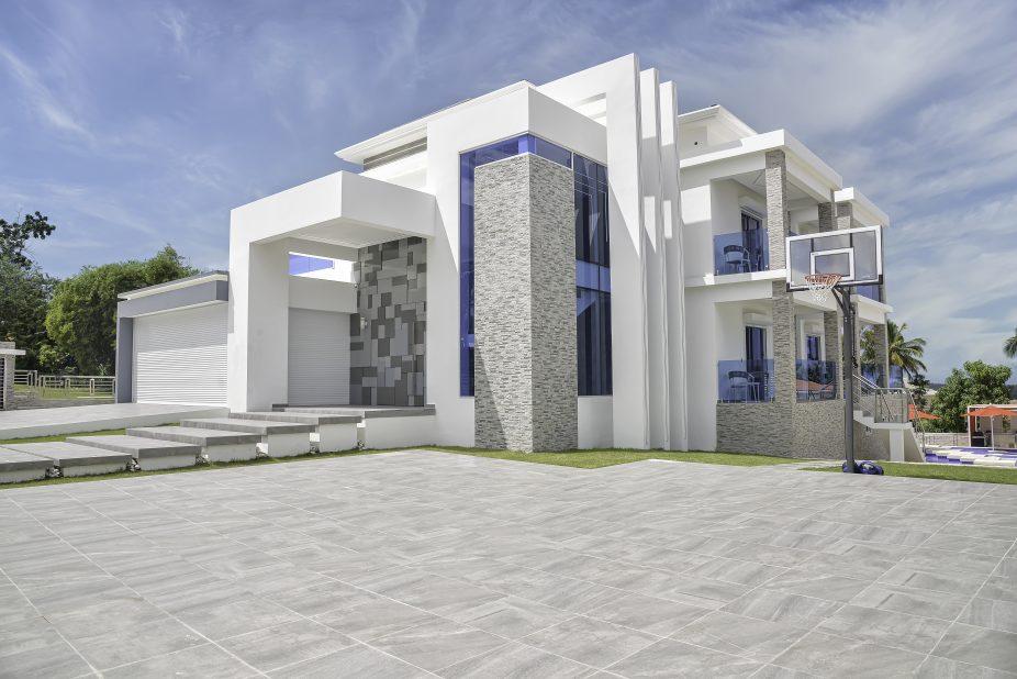 Luxury Villa Exterior Daytime