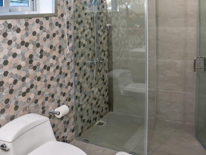 Poolside Room-12 Bathroom