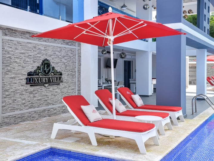 Pool Side Chaise